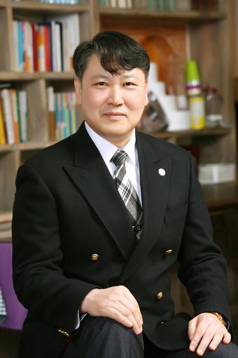 1109-인터뷰 사진 3 사무총장임우성목사.jpg