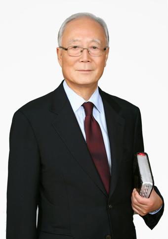 1109-인터뷰 사진 1 박조준목사님.jpg