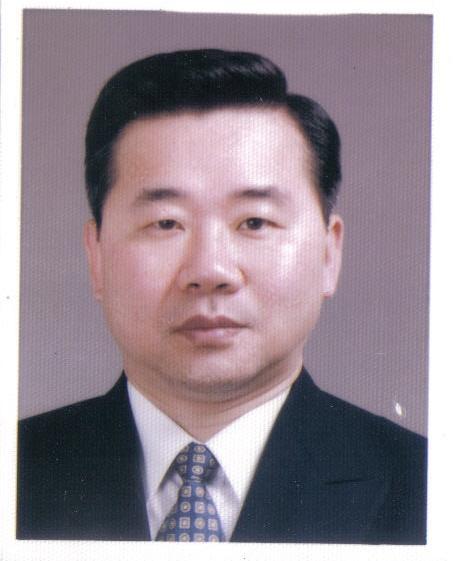 김훈_사진 2006.jpg