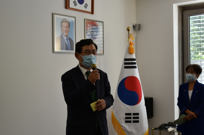 크기변환_신성철 총영사.JPG