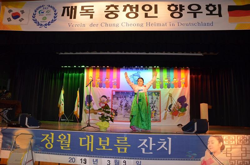 2019-03-09 087김거강 춤.jpg