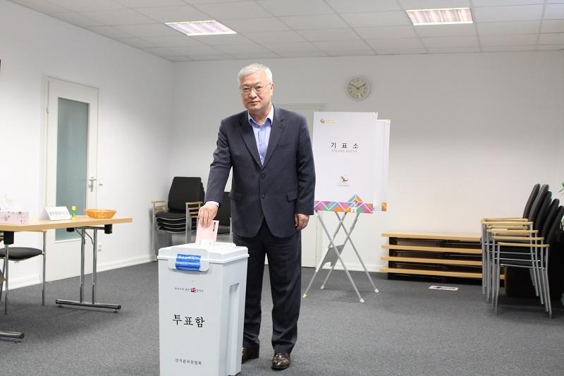IMG_4818-모의 투표k.jpg