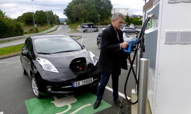 유럽3-노르웨이자동차시장 가디언지.jpg