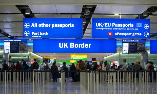 유럽1-EU 시민들, 영국행 줄어 최저치 찍어 가디언지.jpg