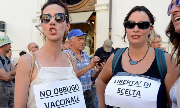 유럽5-이탈리아에 반 백신 바람 불어 가디언지.jpg