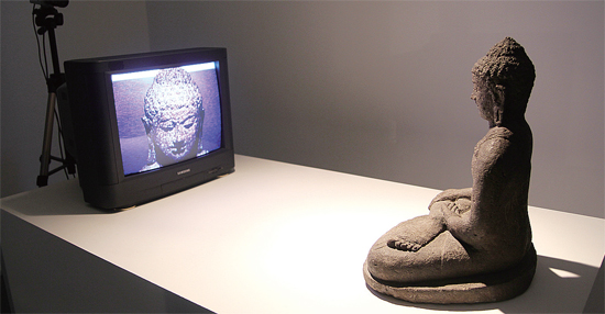 백남준, TV 부처, 1974 (2002).jpg