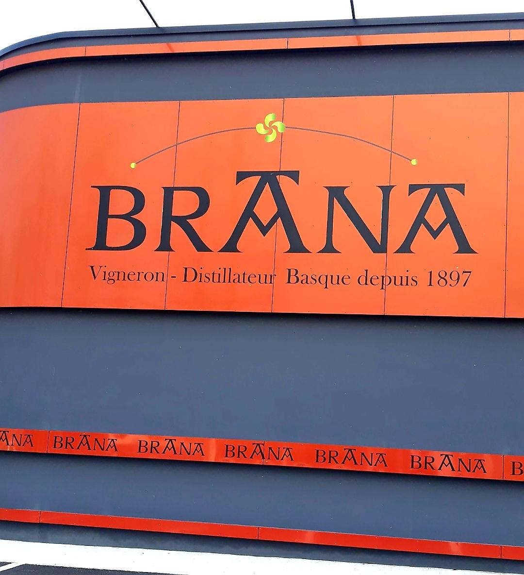 브라나(BRANA)포도원에서의 시음3.jpg