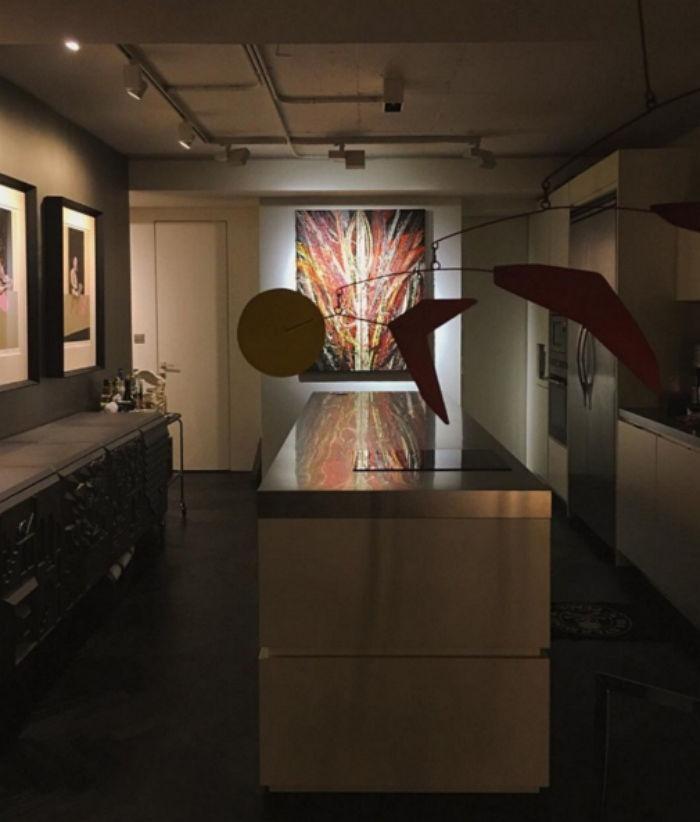 탑이 인스타그램이 소개한 자신의 집의 미술품 컬렉션.jpg