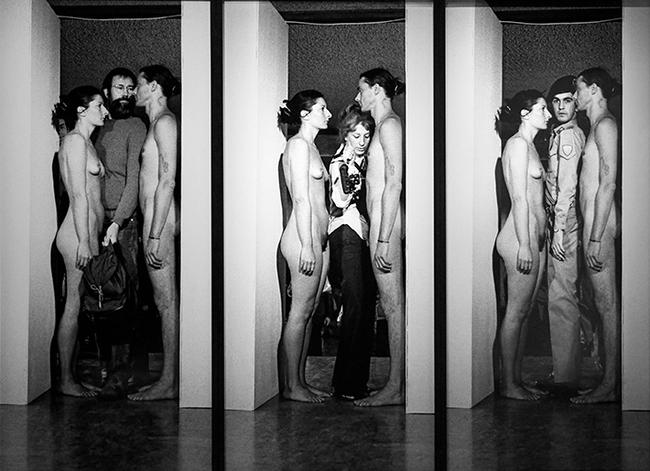 3Marina Abramovic, Imponderabilia, 1977.jpg