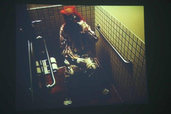 3Bruce Nauman, Clown Torture,1987.jpg