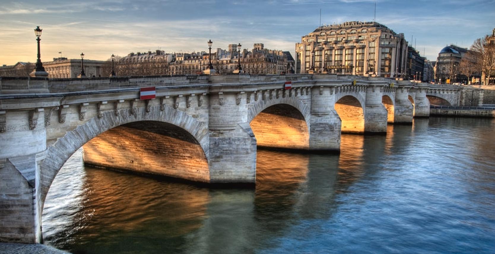 파리에서 가장 오래되고 아름다운 다리 퐁네프 ( Pont Neuf ).jpg
