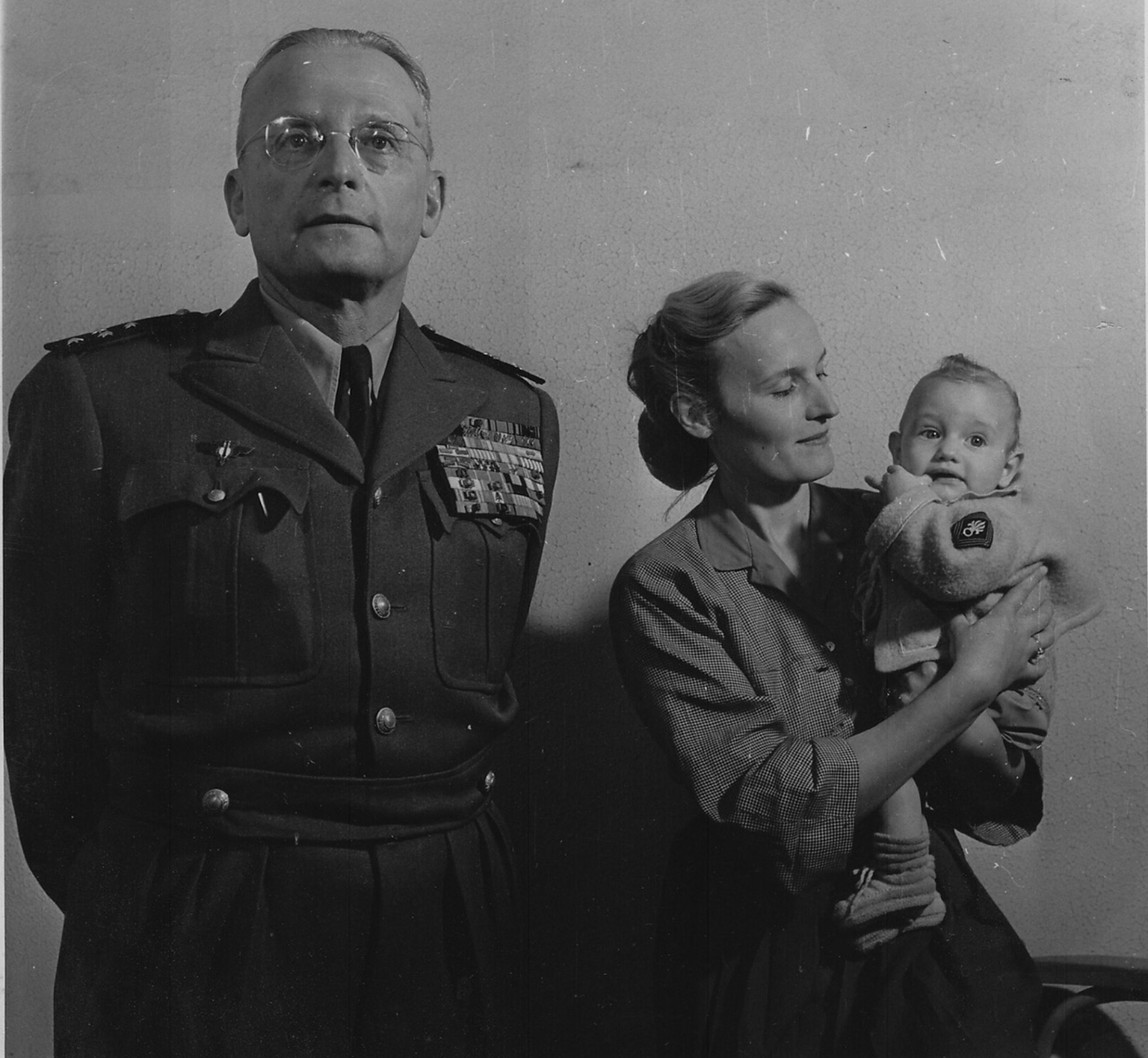 몽클라르 장군과 그의 부인과 외동딸.jpg