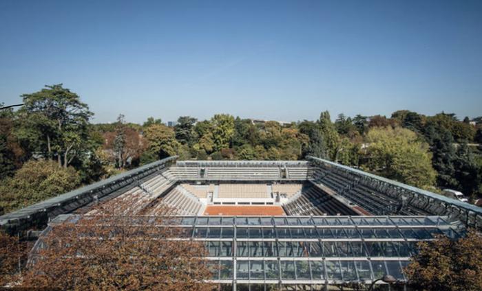 식물원과 접목된 '시몬 마티유' 테니스 코트장.jpg
