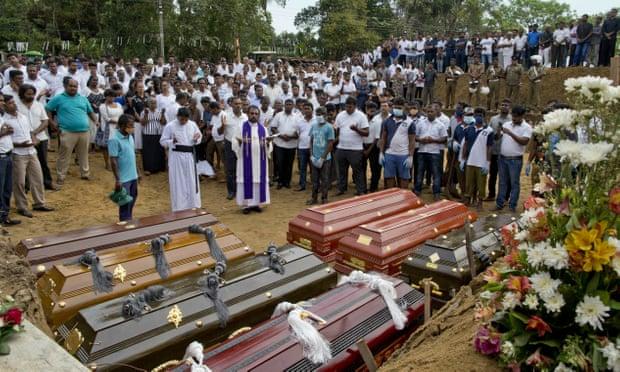 2.2..스리랑카 연쇄 폭발 테러범 영국 유학 출신 사진.jpg