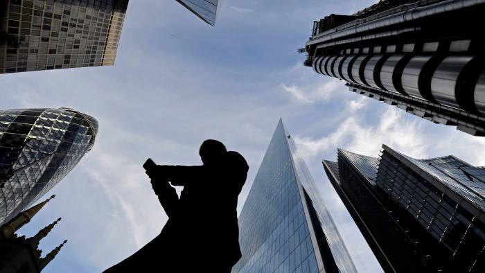7. 브렉시트 10월로 연기, 4월 경제 지표가 소폭 개선 사진.jpg