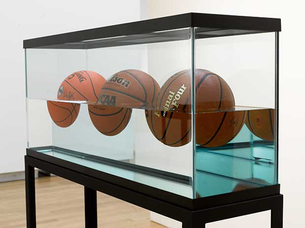 jeff-koons-basketballs.jpg