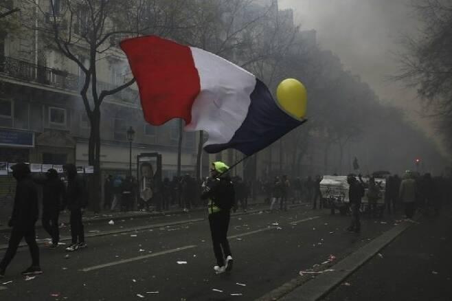 1231-프랑스 2 사진.jpg